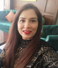 Best Cosmetologist in PIA Society, Lahore - Dr. Farhana Nazir